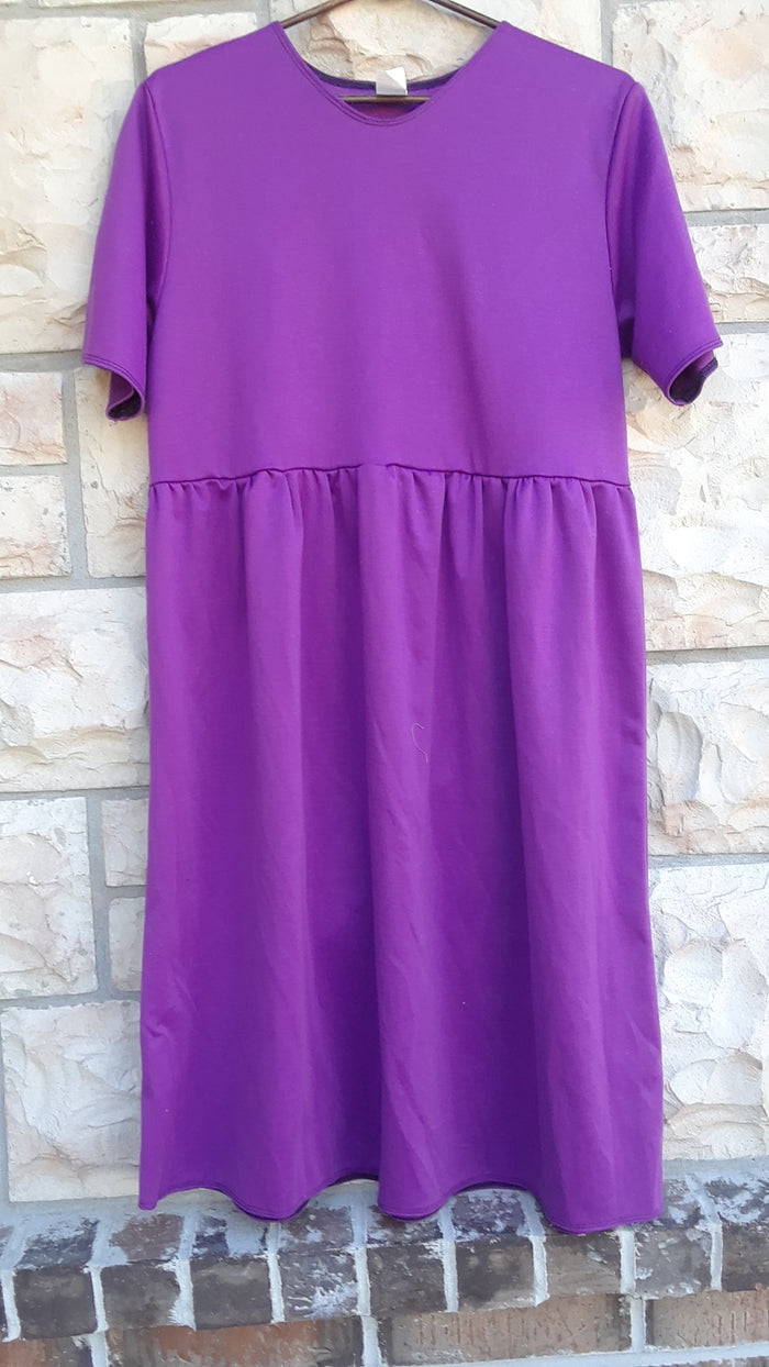 Knit dress with Gathered skirt Magenta size Large