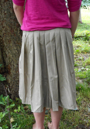 girls culotte full pleat back view