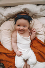 Load image into Gallery viewer, Navy Topknot Headband