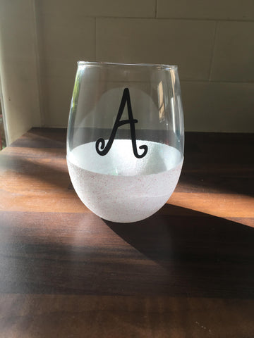 Stemless wine glasses with glitter