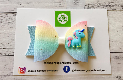 Twinkle Toes Unicorn bow