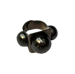 Gunmetal 3 Sphere Ring