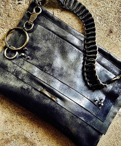 Shady grey cross body