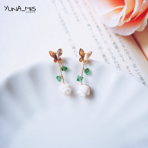 《簡》2 way functional white rose butterfly stud