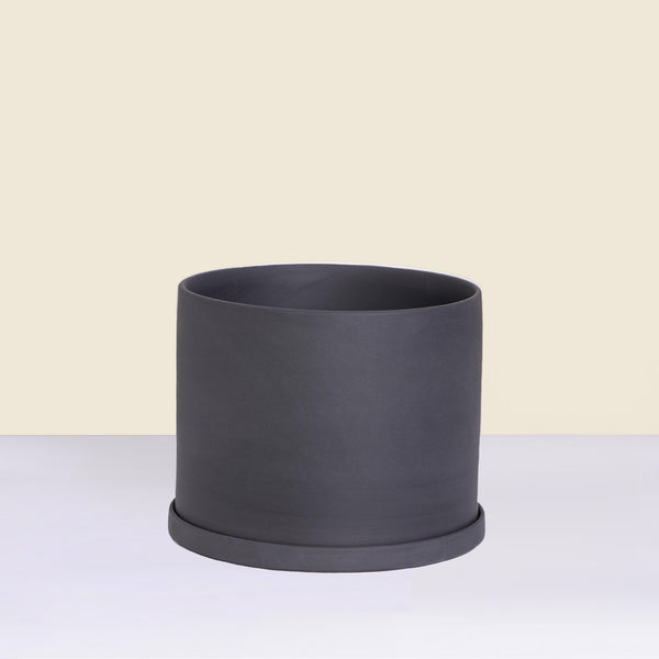 Medium Charcoal Pot with Saucer