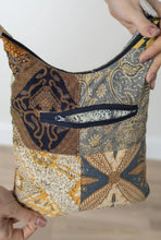 Load image into Gallery viewer, Patchwork crossbody