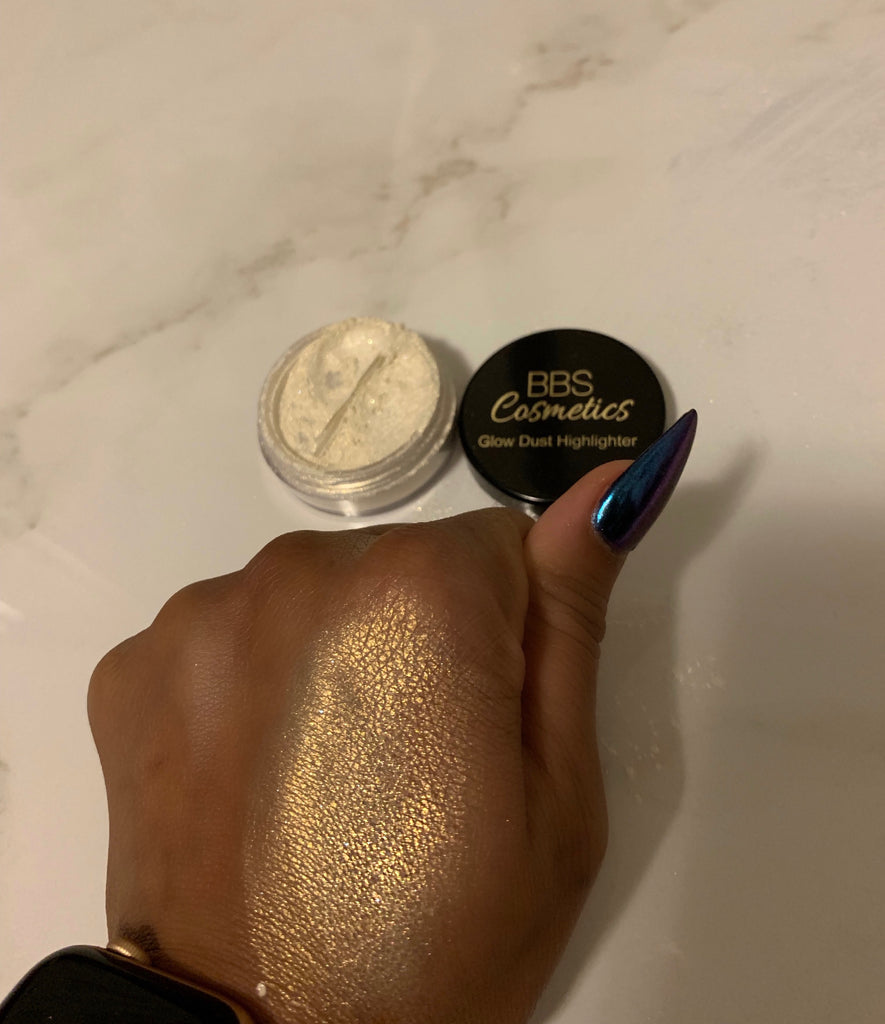 Diva Smoke Glow Dust Highlighter