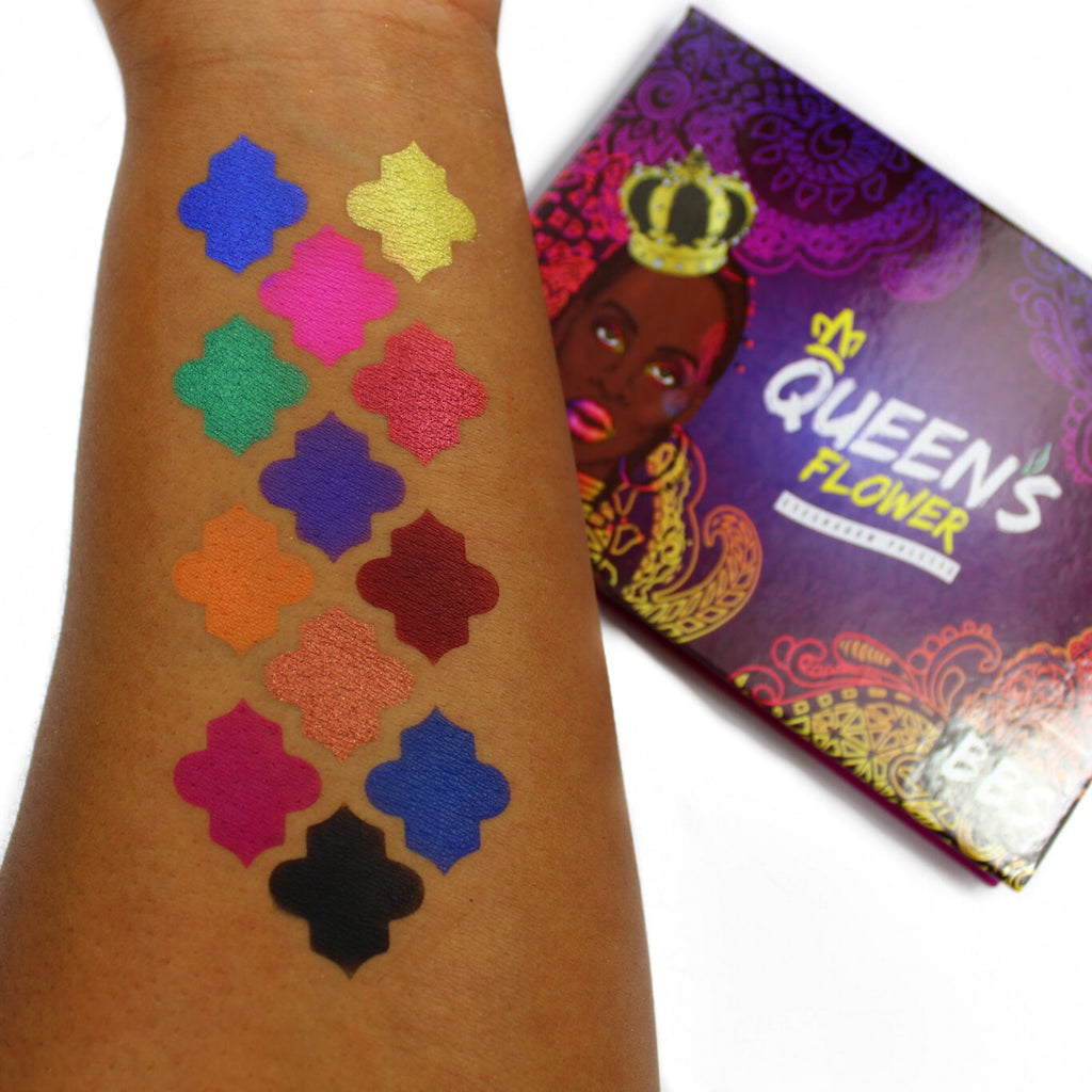 Queen's Flower Eyeshadow Palette