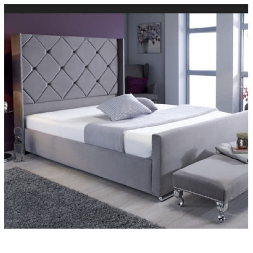 Diamond wing bed in Emperor size