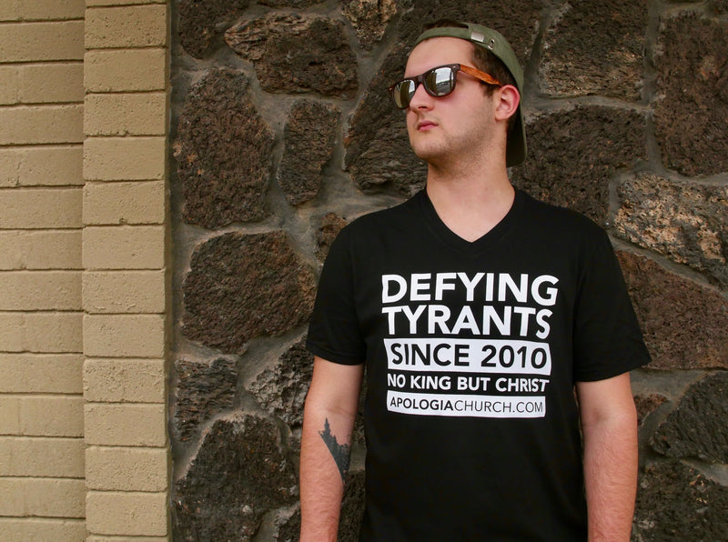 Defying Tyrants | T-Shirt