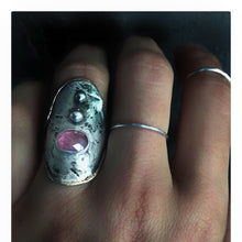 Load image into Gallery viewer, Corina Shield Ring