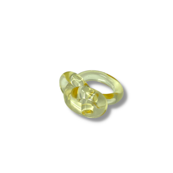 Yellow lucite INIFINITY KNOT ring size 7 - smellthecactus