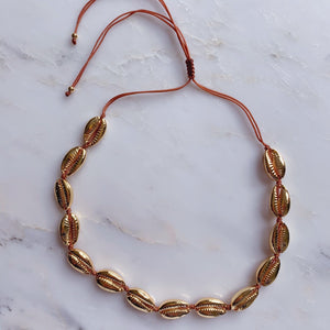 Gold Shell necklace - smellthecactus