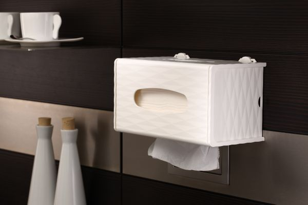 D8 DIANA TISSUE BOX HOLDER