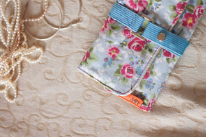 Vintage floral inspired Print Jewelry Roll