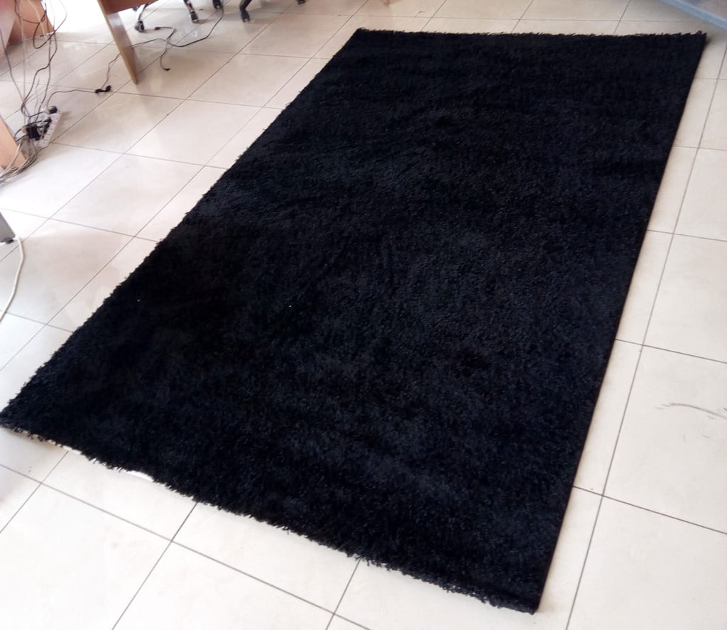 Black Plain Shaggy Carpet