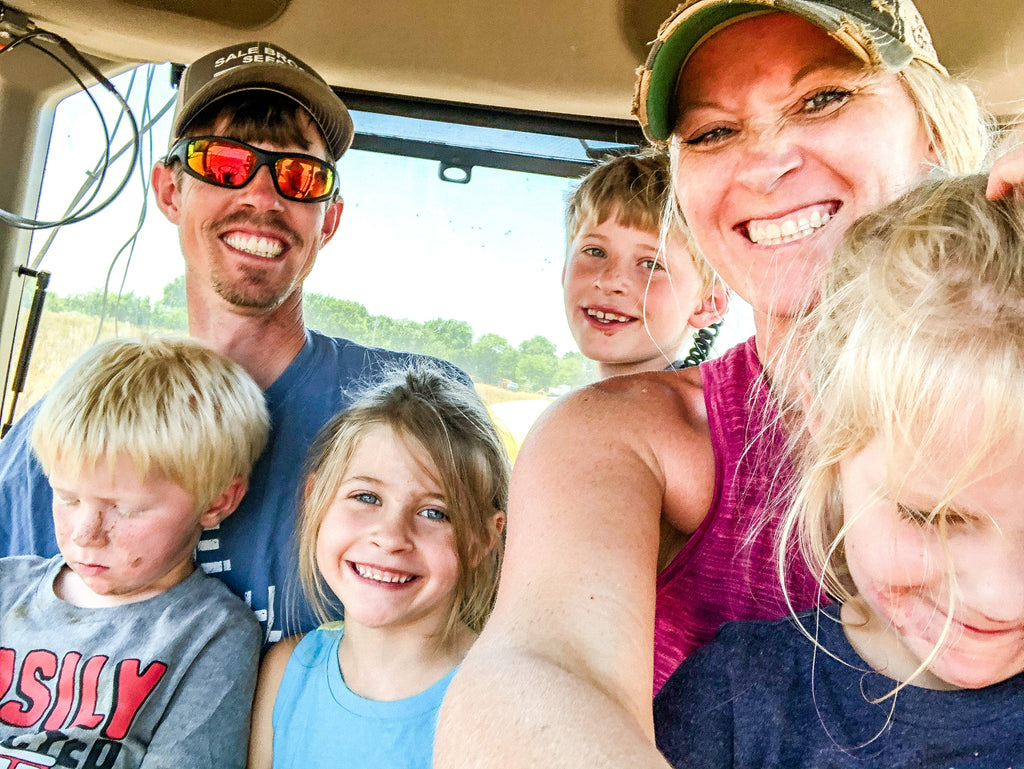 Family_in_cab