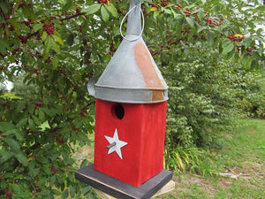 Birdhouse Rusty Funnel Red Primitive Star