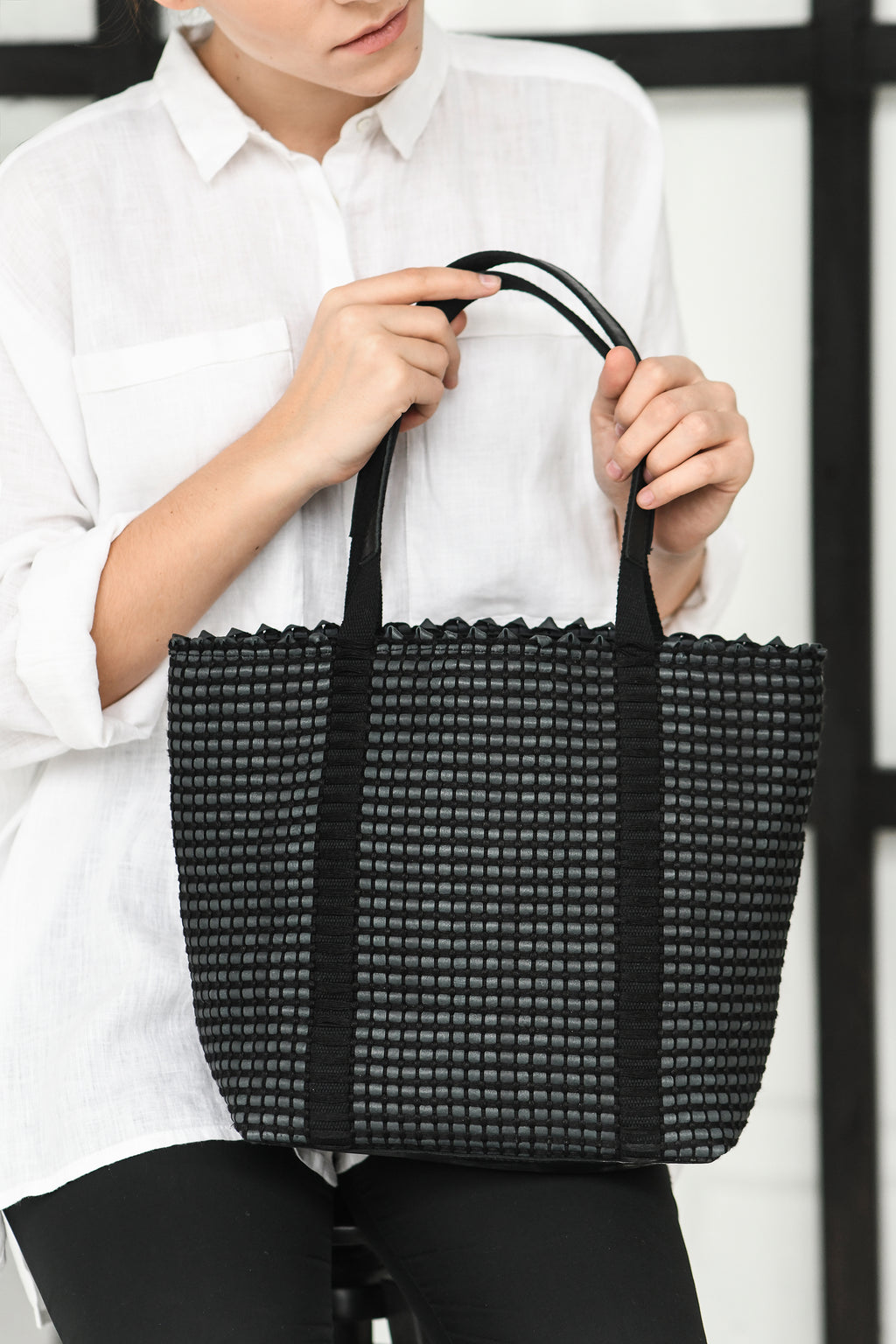 Handwoven Tote Bag AUSTĖ #20 black leather and linen