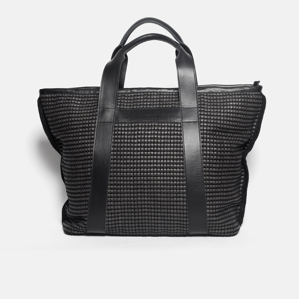 Traveling bag AUSTĖ No.37 in black