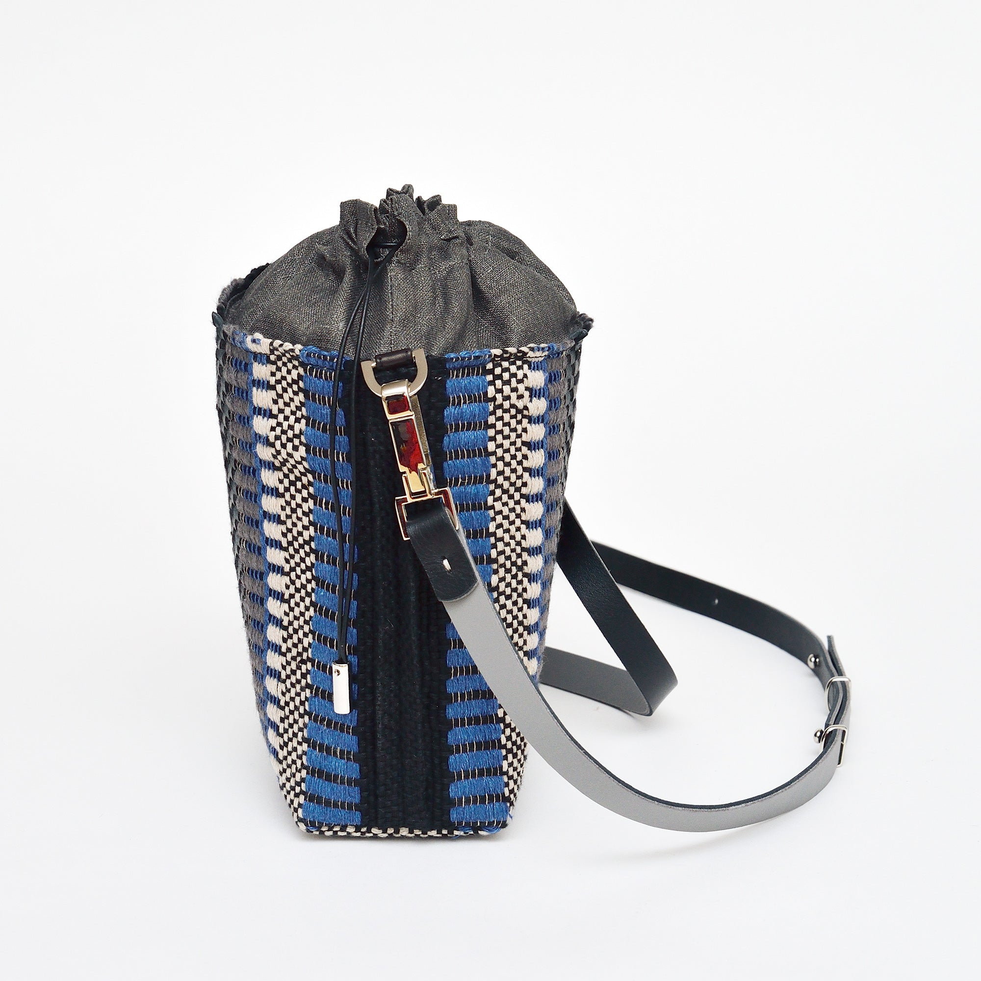 Bag AUSTĖ No. 40 in blue/silver
