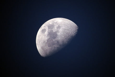 How does the Moon affect us? The moon, astrology and science