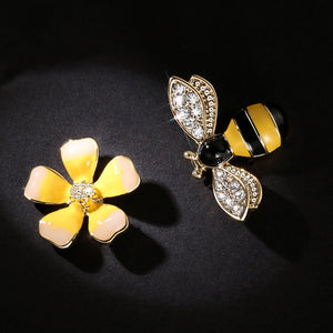Bee Asymmetric Earrings - trendyby.com