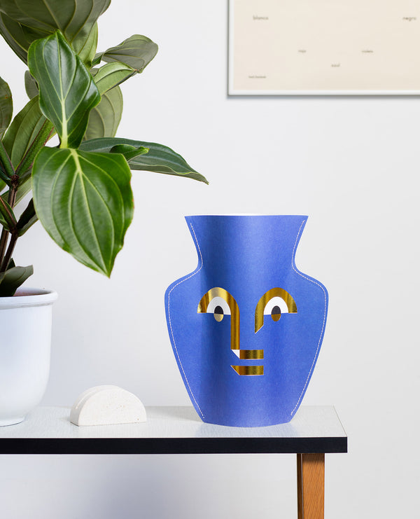paper-vase-apollo-octaevo-ceramic-london-cuemars