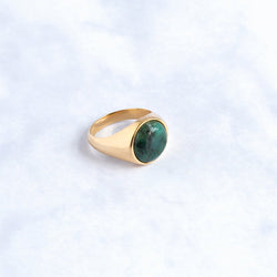 Gold round signet ring - Emerald
