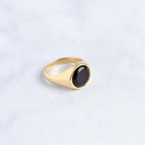 Beho studio gold signet ring onyx