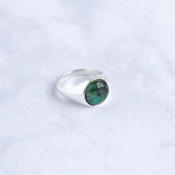 Silver round signet ring - Emerald