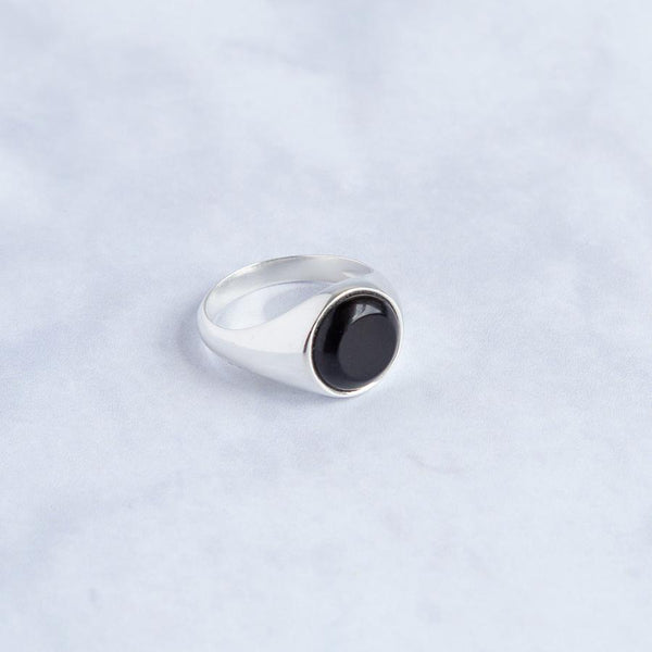 Silver round signet ring - Onyx