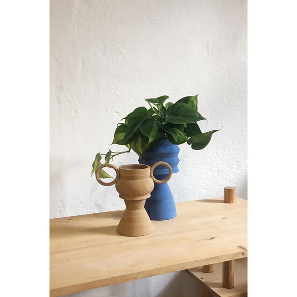Handmade planter by Mari Masot using catalan stoneware