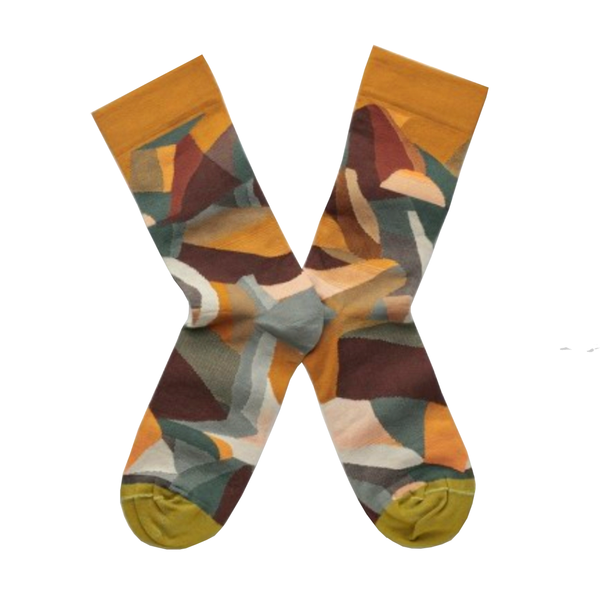 Cool socks designed by French brand Bonne Maison featuring mountains
