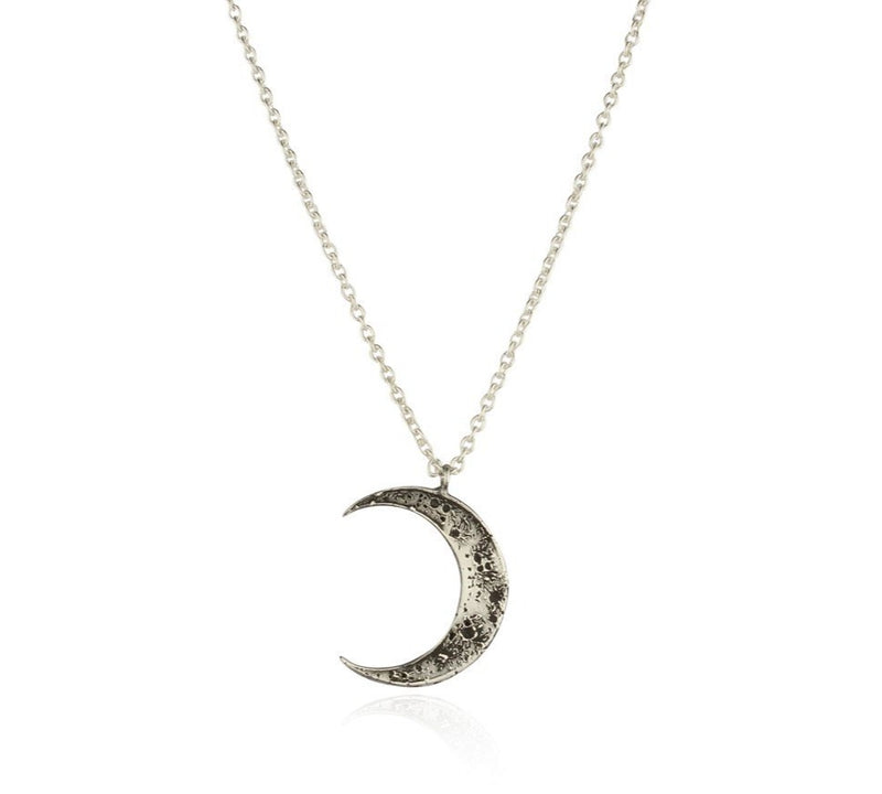 Momocreatura Crescent Moon Necklace Silver