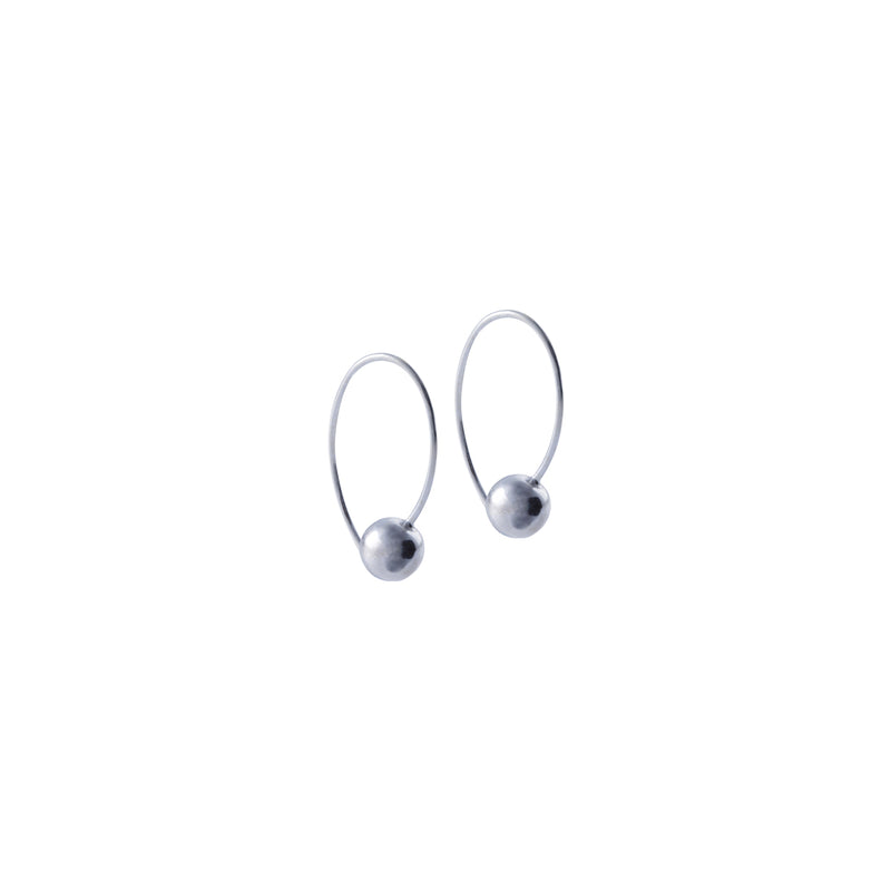 Fresh and minimalist silver drop earrings Myra by Keep it Peachy now online on Cuemars