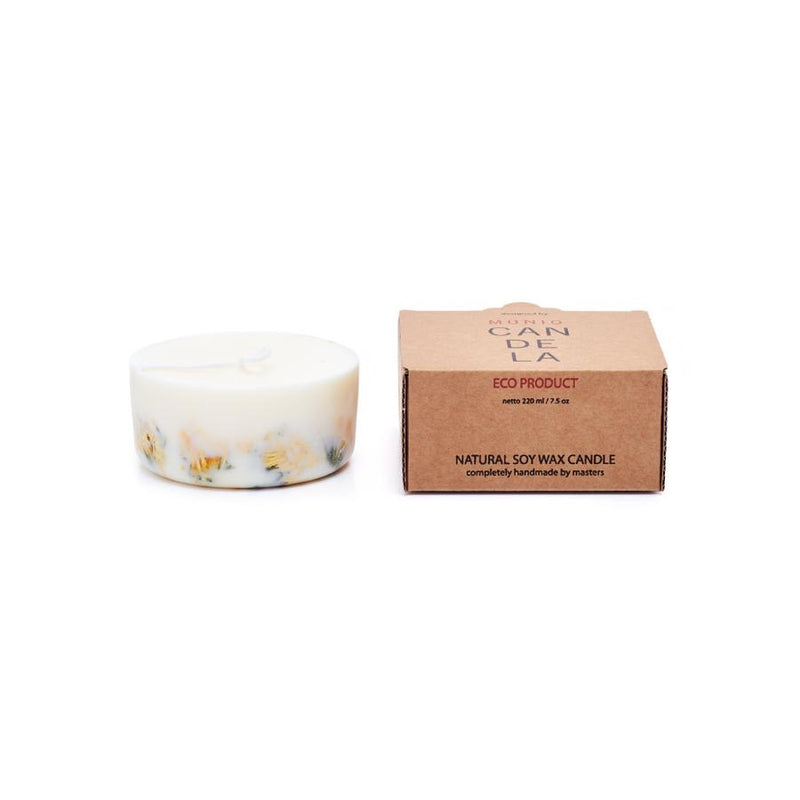 The Munio Soy Wax Mini Candle with Marigold Natural Scents