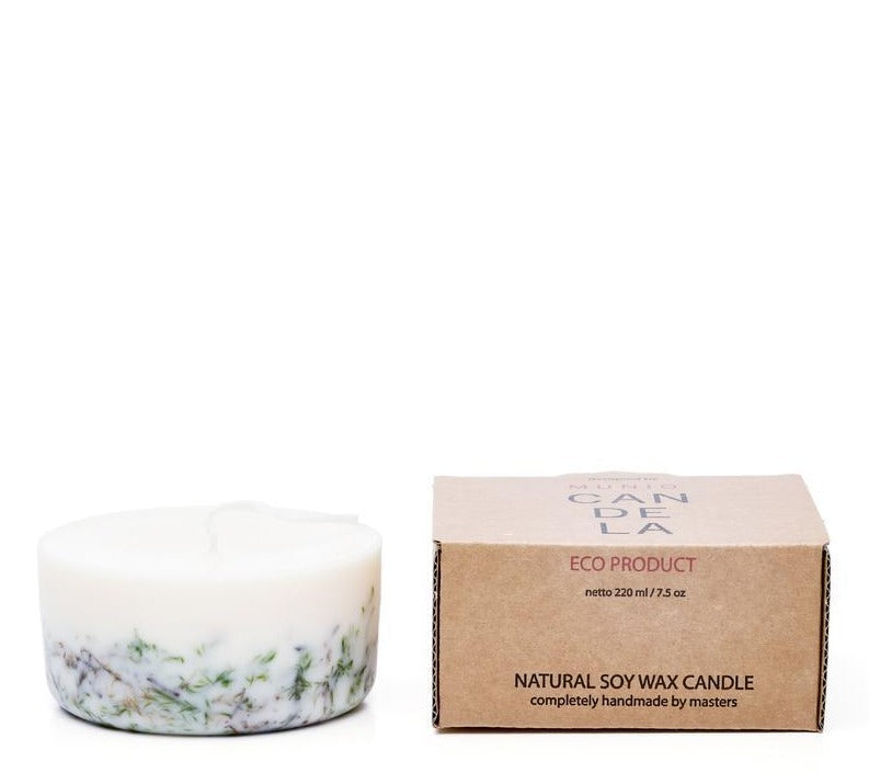 The Munio Soy Wax Mini Candle with Moss Natural Scents