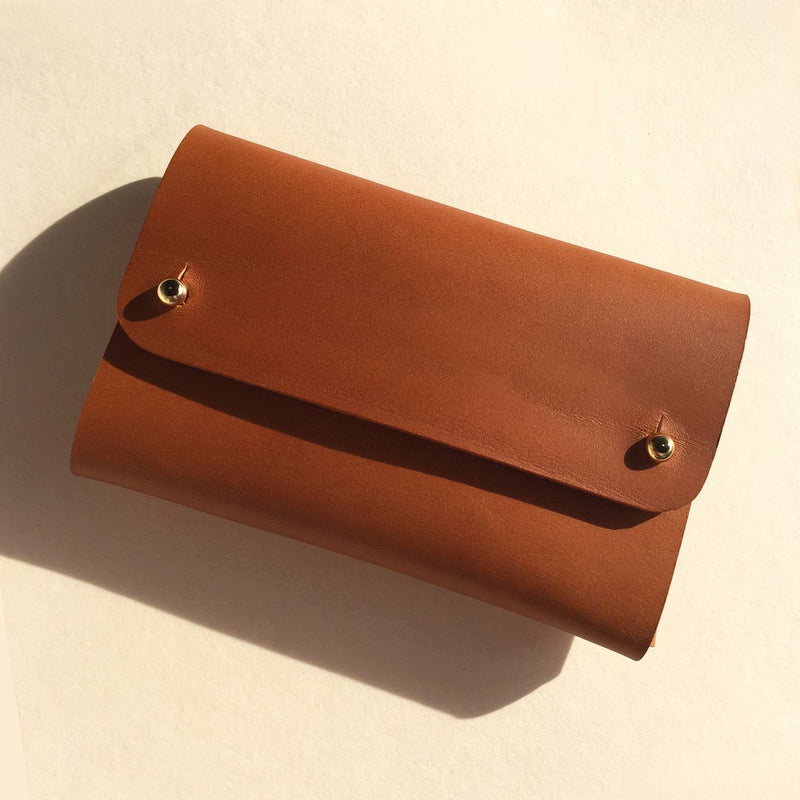 Front details of Vegetable tanned leather brown card wallet by slow fashion UK brand Kles
