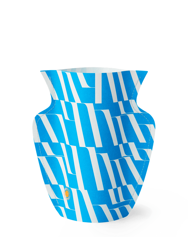 Picture of a handmade waterproof mini paper vase by Barcelona based design studio Octaevo