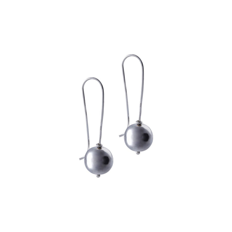 Fresh and minimalist drop earrings Mara by Keep it Peachy now online on Cuemars