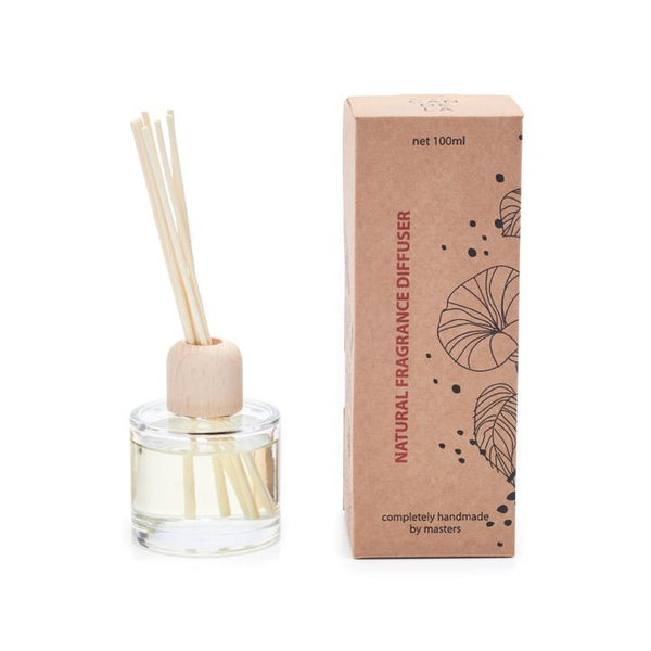 handmade oil based diffuser with a beautiful cinnamon scent by Munio