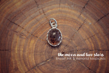 Load image into Gallery viewer, Small Vintage Crown Pendant