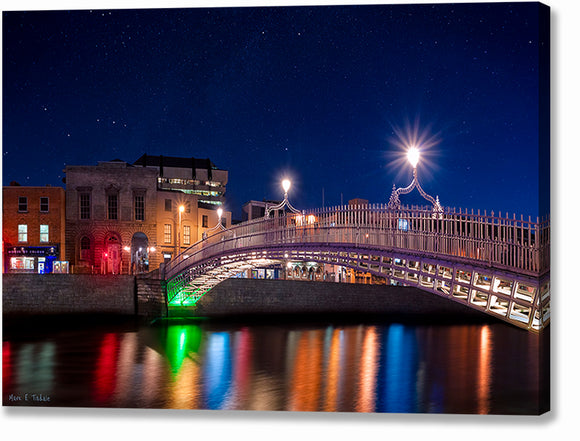 River Liffey At Night - Dublin Canvas Print