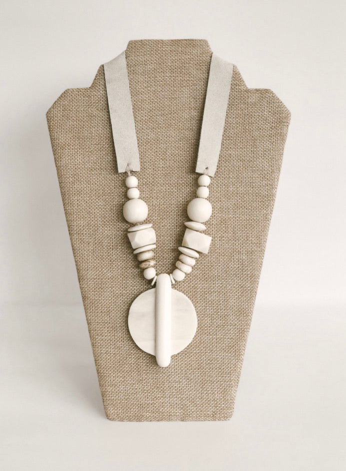 The Virginia Necklace (White)