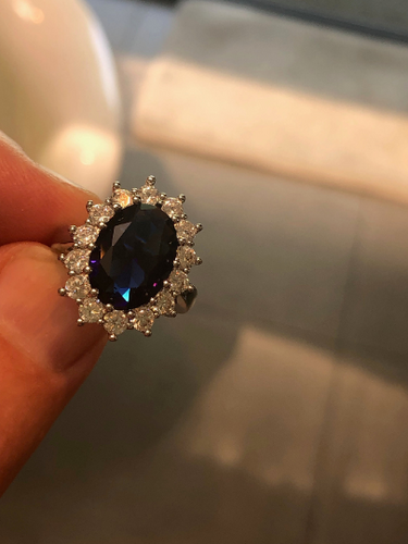 Kate Middleton Blue Sapphire & Diamond Engagement Ring Worn By Princess Diana