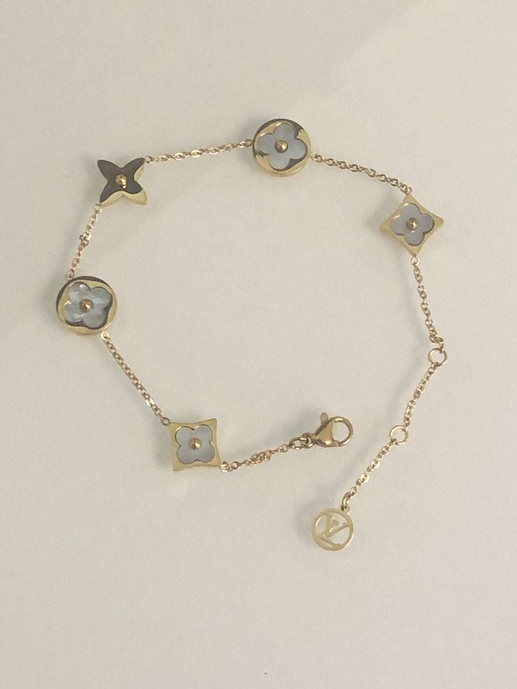Mother of Pearl Flower Blossom Bracelet in Yellow Gold Titanium Adjustable