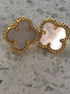 Classic Solid Mother Of Pearl Ancient Clover Symbol Stud Earrings 18k O/Titanium