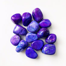 PURPLE HOWLITE TUMBLE STONE