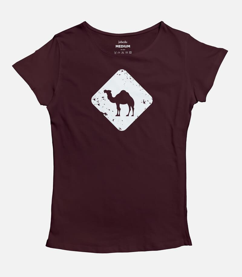 Jobedu Camel Crossing Women's T-shirt